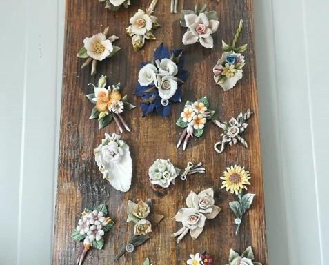 Quadro in legno e ceramica