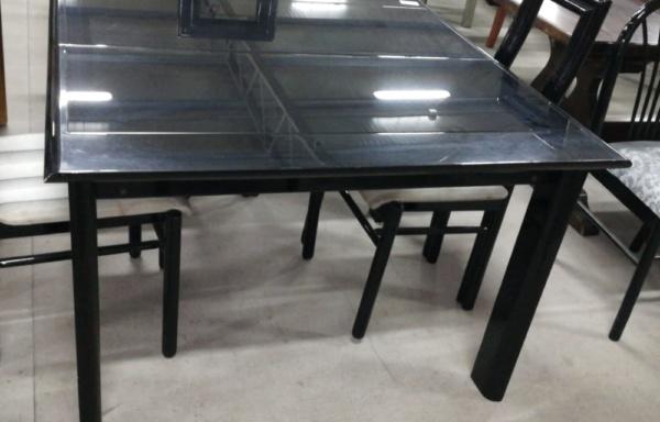 Tavolo nero laccato