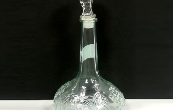 Decanter caraffa con decorazione