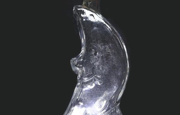 Bottiglia a forma di mezzaluna