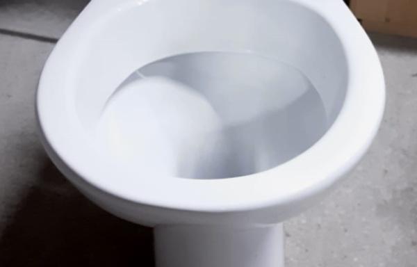 Water a pavimento