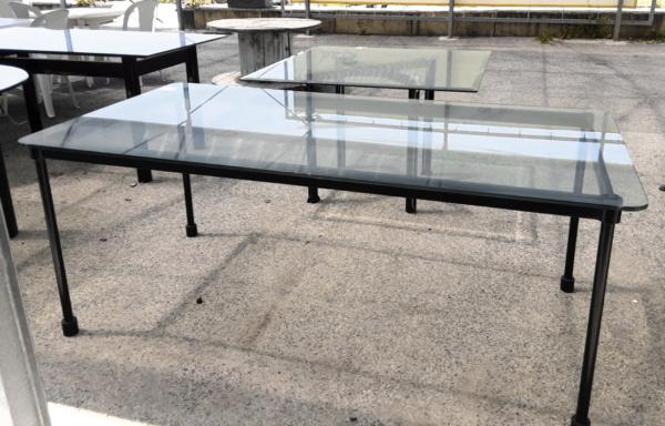 Tavolo con angoli arrotondati