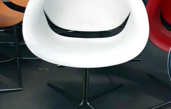 Sedia/poltrona bianca