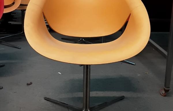 Sedia/poltrona arancione