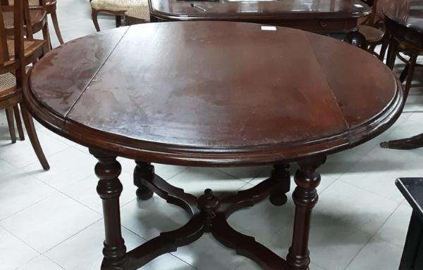 Tavolo tondo in legno massello