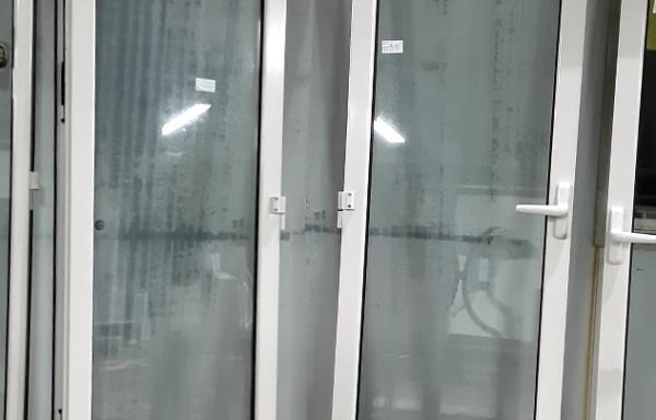Portafinestra in PVC a 2 ante
