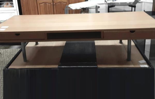 Tavolino basso con cassetti