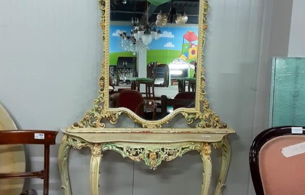 Consolle e specchio stile veneziano