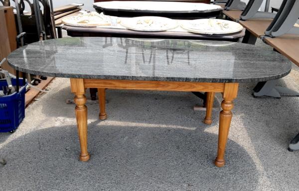 Tavolo stile modernariato