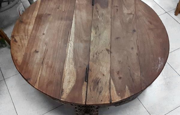 Tavolino con vano contenitore